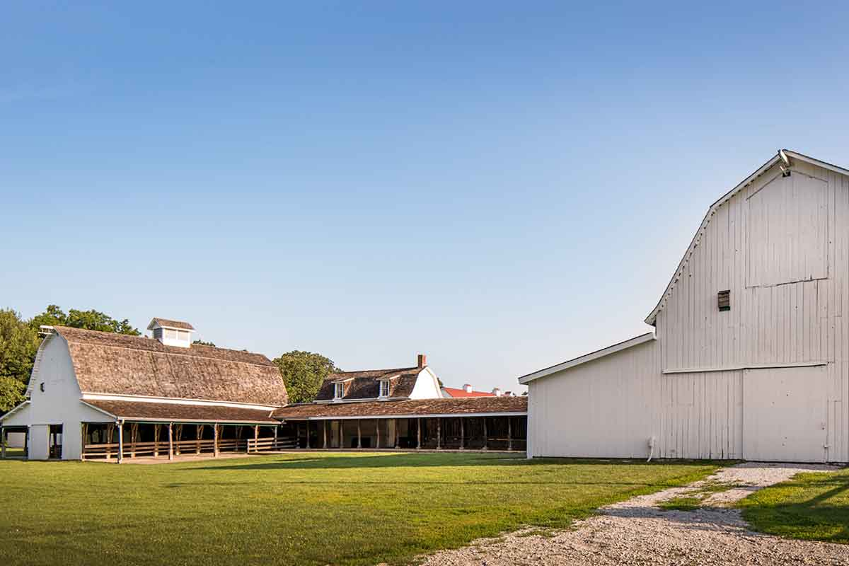 A picture of barns and outdoor event spaces